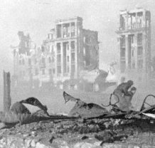 essay on the battle of stalingrad The consequences of the stalingrad battle were enormous the result in the end was the complete loss of the entire 6th army as well as assiciated units, the most.