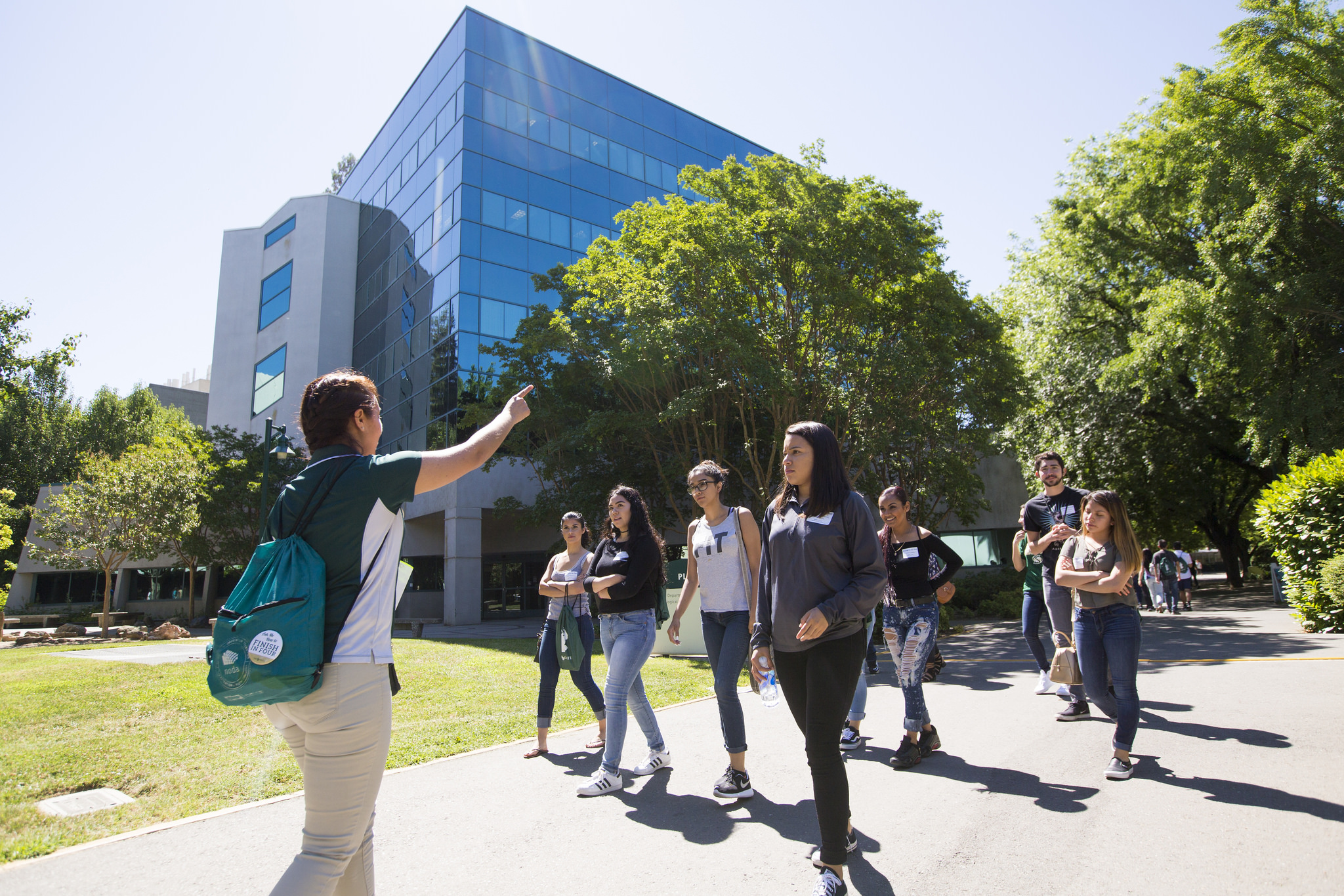 A photo of new Sac State students taking a tour during orientation.