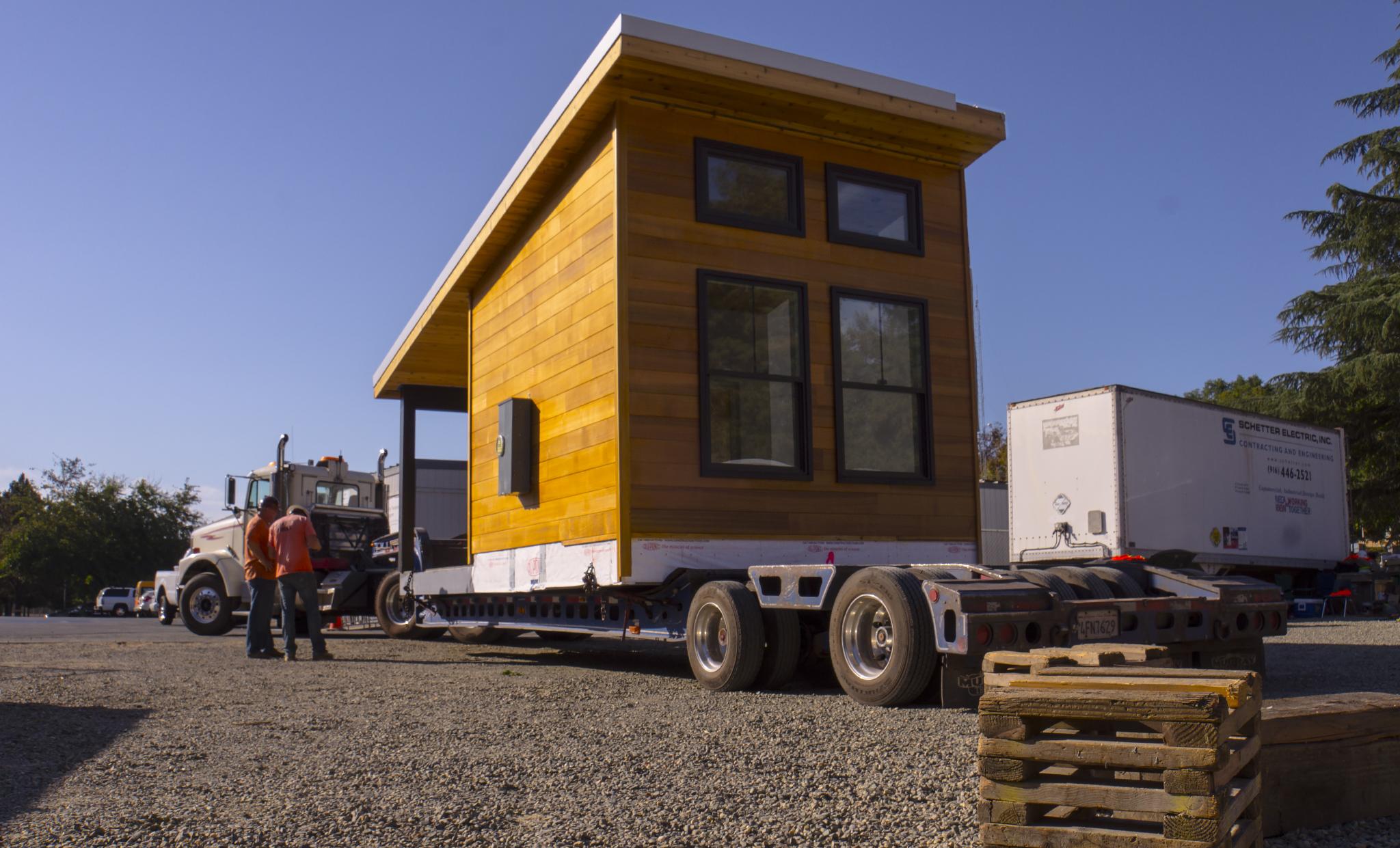 Solar house on the move